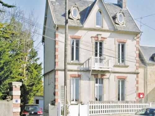 Apartment rue Francois Carpentier : Apartment near Tracy-sur-Mer