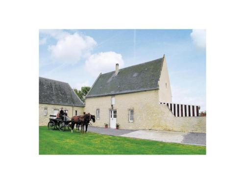 Holiday Home Le Vieux Château : Guest accommodation near Cricqueville-en-Bessin
