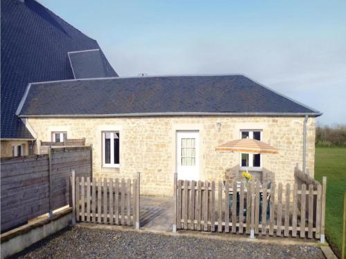 Holiday home Acqueville - Les Pavillons O-795 : Guest accommodation near Vouilly