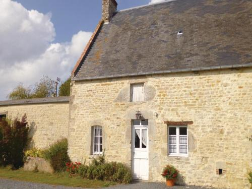 Holiday home Cour Maqueron N-794 : Guest accommodation near Les Veys