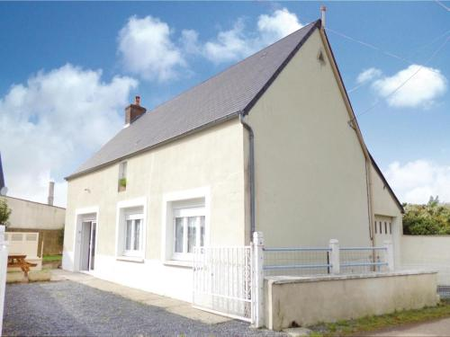 Holiday Home Canchy I : Guest accommodation near Monfréville