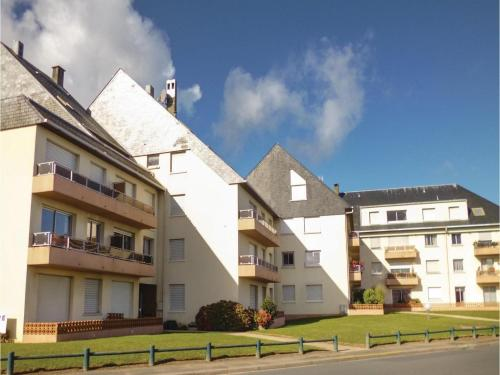 One-Bedroom Apartment in Grandcamp-Maisy : Apartment near Géfosse-Fontenay