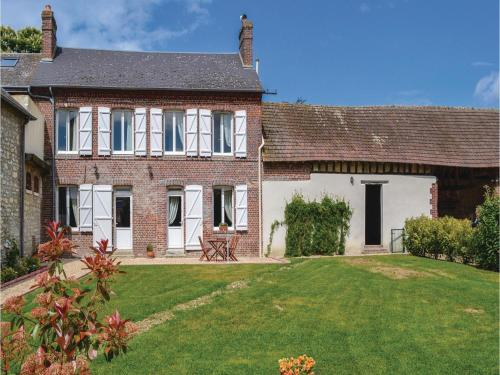 Two-Bedroom Holiday Home in Trie Chateau : Guest accommodation near Amécourt