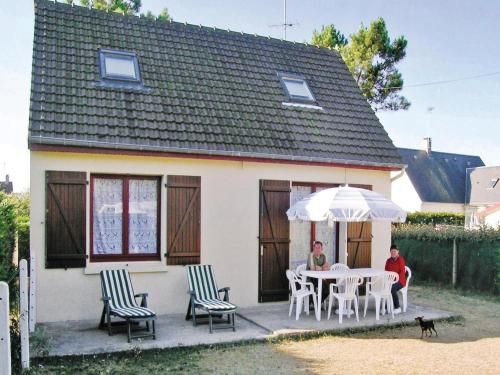 Holiday home D´Auvergne No. : Guest accommodation near Lessay