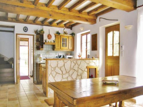 Holiday home Du Val De La Cour No. : Guest accommodation near Vasteville