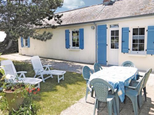 Holiday home Hameau Simon : Guest accommodation near Foucarville