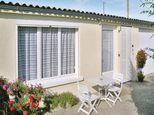Holiday home Sainte Marie : Guest accommodation near Videcosville