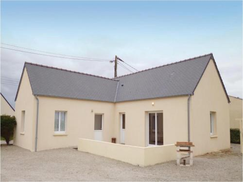 Holiday home Chemin Des Iles : Guest accommodation near Éroudeville