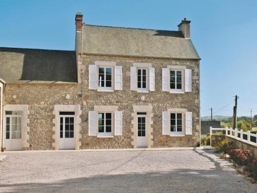 Holiday home de L´Eglise d.Grenneville : Guest accommodation near Octeville-l'Avenel