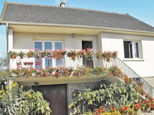 Holiday home Route de la haye du puits : Guest accommodation near Mobecq
