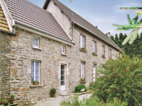Holiday home L'Oliverie : Guest accommodation near Saint-Pierre-Église