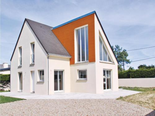 Holiday home Rue de Provence : Guest accommodation near La Haye-du-Puits