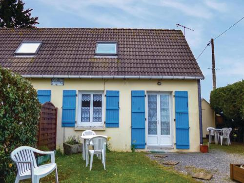 Holiday home Anneville sur Mer QR-1133 : Guest accommodation near Ancteville
