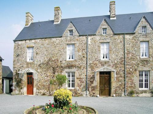 Holiday home Le Prieuré : Guest accommodation near Saint-Malo-de-la-Lande