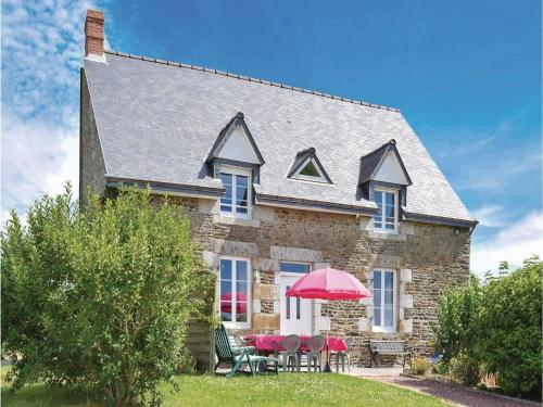 La Moire : Guest accommodation near Saint-Georges-de-Reintembault