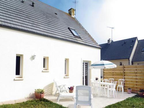Holiday home Saint-germain-sur-Ay IJ-1098 : Guest accommodation near Lessay