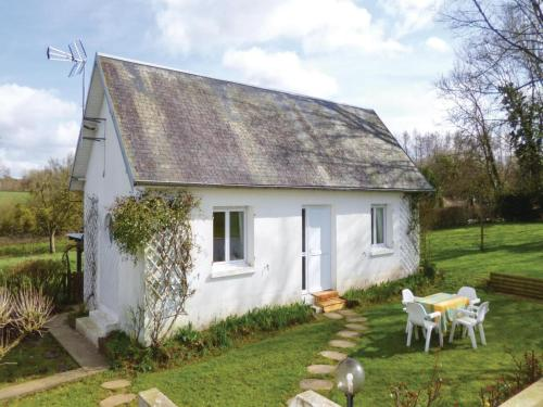Holiday Home La Chapelle En Juger I : Guest accommodation near Gourfaleur