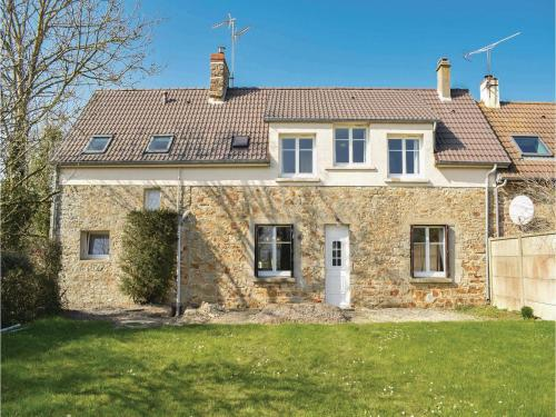 Four-Bedroom Holiday Home in Saint Germain sur Ay : Guest accommodation near Lessay