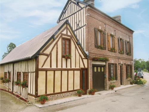 Holiday home Rue Du Bois Benard : Guest accommodation near Brullemail