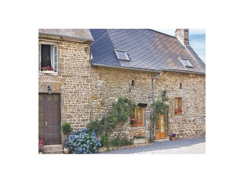 Holiday Home La Petite Maison : Guest accommodation near Saint-Aubin-Fosse-Louvain