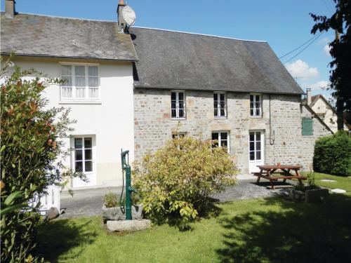 Holiday Home La Chevallerie Pilet : Guest accommodation near La Bazoque