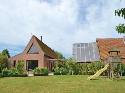 Holiday Home Arques Rue Jules Ferry IV : Guest accommodation near Wavrans-sur-l'Aa