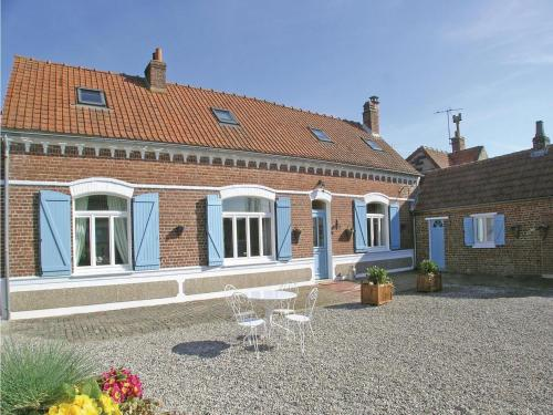 Holiday Home La Ferme Aux Hirondelles : Guest accommodation near Pihem