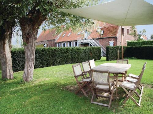 Holiday Home Arques Rue Jules Ferry II : Guest accommodation near Wavrans-sur-l'Aa