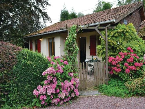 Holiday Home Gites Des Blanchiries : Guest accommodation near Guinecourt