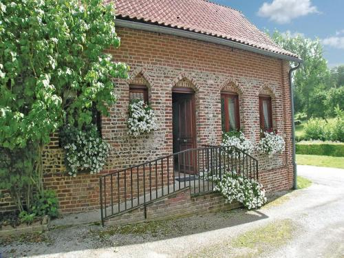 Holiday Home Embry Rue Du Haut Pont : Guest accommodation near Quilen