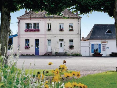 Holiday Home Bouber Sur Canche Bis Place General De Gaulle : Guest accommodation near Blangerval-Blangermont