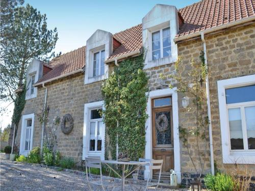 Holiday Home Carly - 07 : Guest accommodation near Hesdigneul-lès-Boulogne