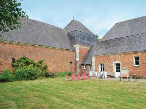 Holiday Home Gouy Saint Andre with a Fireplace 05 : Guest accommodation near Aubin-Saint-Vaast