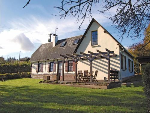 Holiday home Route d'Haudricourt L-868 : Guest accommodation near Formerie