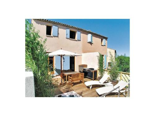 Holiday Home Mallemort Rue Du Golf : Guest accommodation near Vernègues