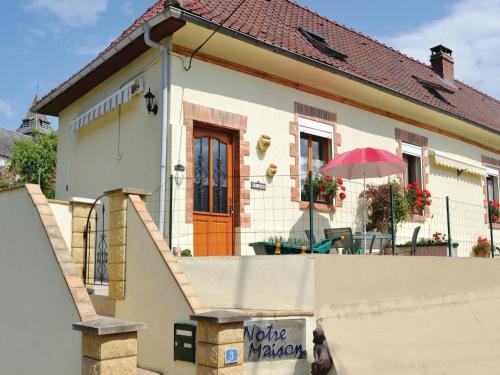 Holiday Home Ligny-Sur-Canche Rue Claude : Guest accommodation near Herlincourt