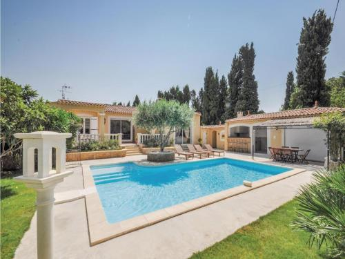 Holiday home Salon de Provence KL-1019 : Guest accommodation near Vernègues