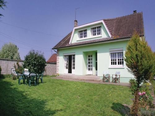 Holiday Home Toeufles Rue Bas Chaussoy : Guest accommodation near Martainneville