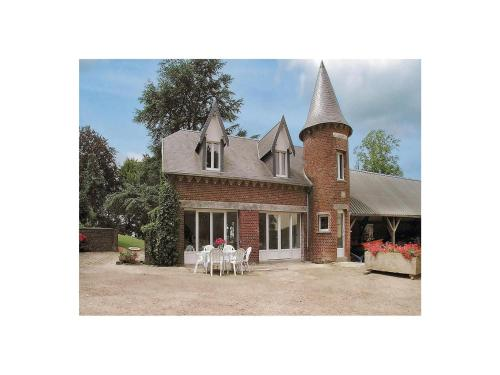 Holiday Home La Tour : Guest accommodation near Licourt