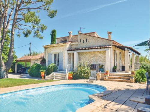 Three-Bedroom Holiday Home in Gignac La Nerthe : Guest accommodation near Marignane
