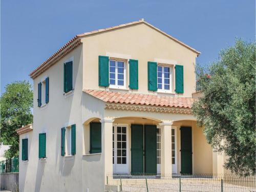 Three-Bedroom Holiday Home in Lancon de Provence : Guest accommodation near Salon-de-Provence