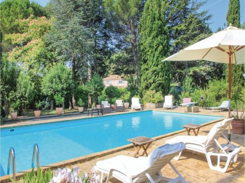 Two-Bedroom Holiday Home in Lancon de Provence : Guest accommodation near Salon-de-Provence