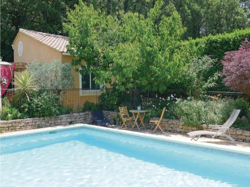 Holiday Home Eyragues Chemin De L'Arenier II : Guest accommodation near Eyragues