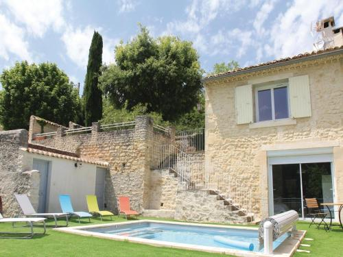 Holiday Home St Restitut with Fireplace I : Guest accommodation near Saint-Paul-Trois-Châteaux
