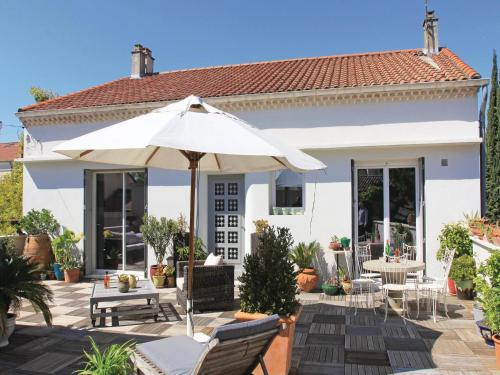 Holiday Home Montelimar III : Guest accommodation near Rochemaure