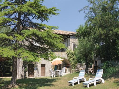 Holiday Home Montguers with a Fireplace 08 : Guest accommodation near Chanousse