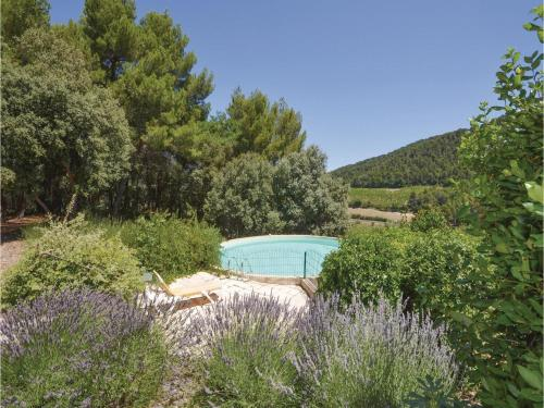 Holiday home Notre Dame Des Pallières : Guest accommodation near Sablet