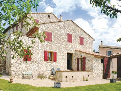 Holiday home Rue des Grandes Aires : Guest accommodation near Blauvac