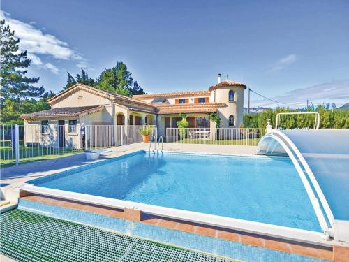 Holiday home Route De Caromb II : Guest accommodation near Aubignan