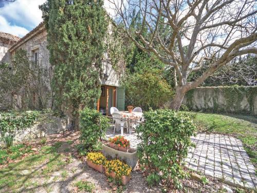 Holiday Home Rte De Pegue : Guest accommodation near Valréas